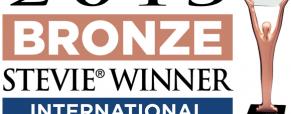 Jardiland recebe o prestigiante Stevie Bronze pelo site de vendas on-line