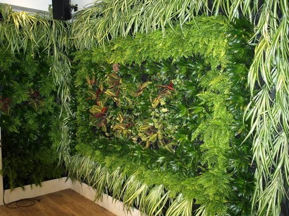 jardim vertical lisboa: casa um jardim vertical de plantas comestíveis